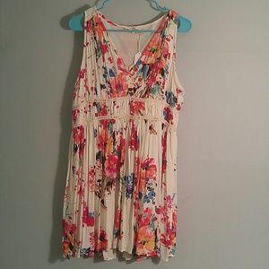 NWT Entro floral short dress